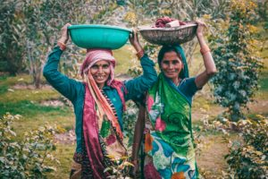 Indian-women-basin-carry-860577